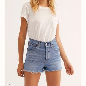 Levi ribcage shorts
